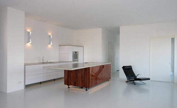 plafond verven door middel van latex spuiten