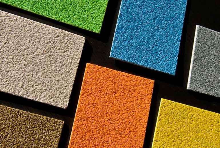 sierpleister stuckwerk aanbrengen is mogelijk in vele kleuren en soorten